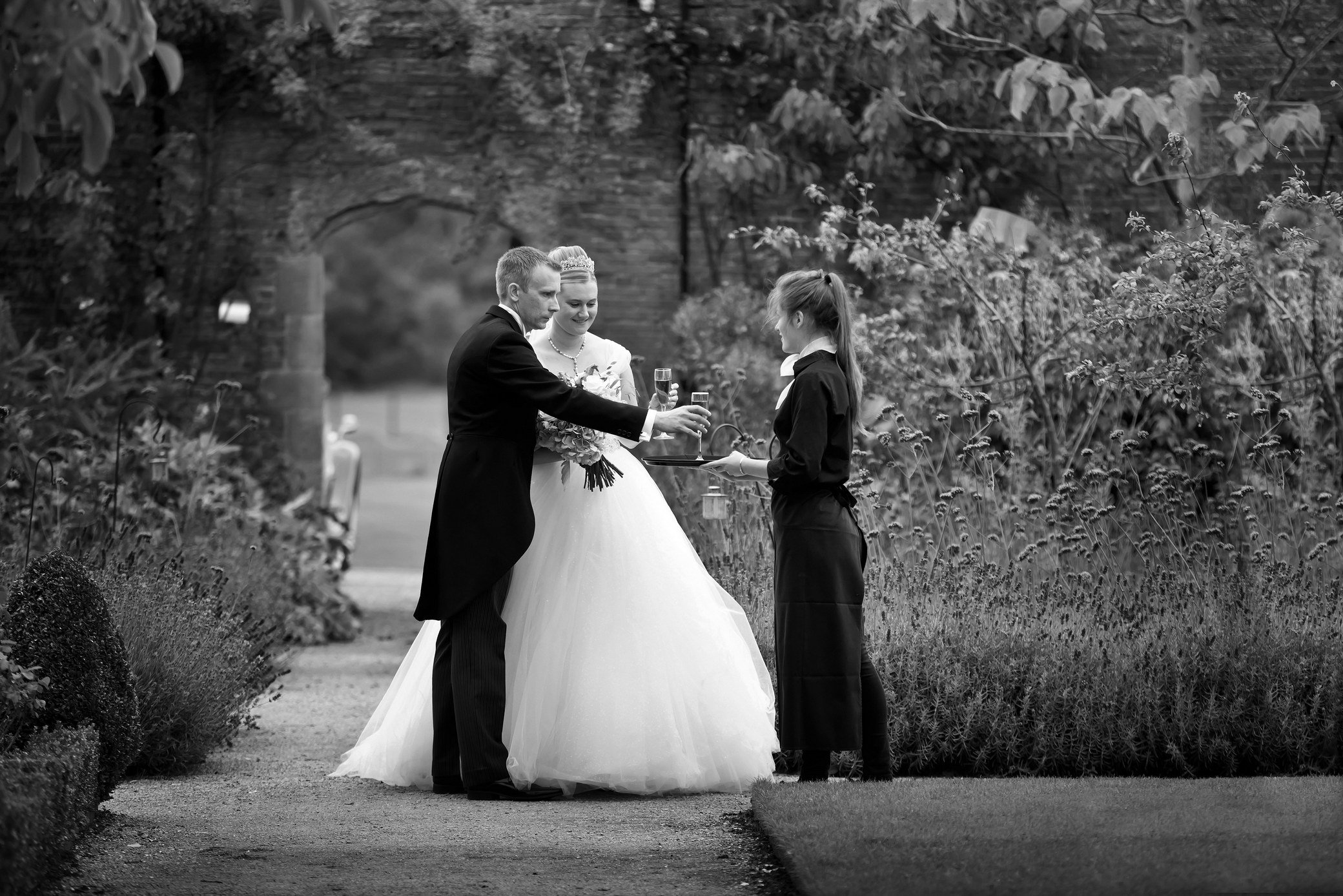 cowdray walled garden wedding photographer